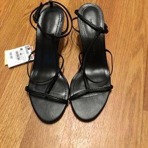 Zara Black Strappy Leather Heel/Sandal